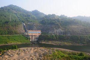 Hồ thủy điện vẫn cạn nước dù hoàn lưu bão Wipha gây lũ lụt nhiều nơi