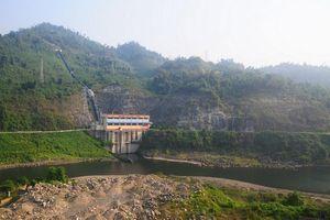 Nhiều hồ thủy điện vẫn cạn nước