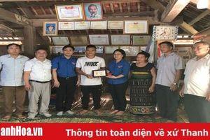 Trung ương Đoàn trao tặng huy hiệu 'Tuổi trẻ dũng cảm' cho người hùng Phạm Bá Huy