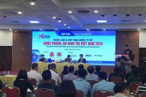Nhiều tập đoàn lớn thế giới quảng bá thiết bị, phương tiện chiến đấu tại Việt Nam