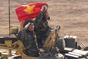 Bất chấp hỏng xe, Việt Nam vẫn vào bán kết Tank Biathlon