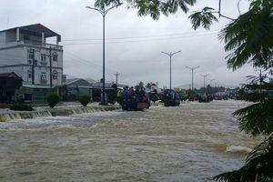 Phú Quốc: Đóng cửa sân bay, huy động 1.000 quân cứu dân trước trận lụt lịch sử