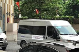 Nhiều xe đưa đón học sinh trường Gateway hoạt động không phép