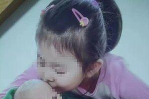 Mẹ nhẫn tâm đánh chết con 7 tuổi chỉ vì ăn chậm