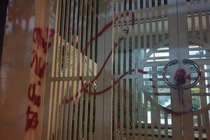 Đà Nẵng: Khởi tố nhóm côn đồ tạt sơn, dọa giết người...