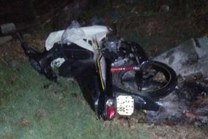 Hà Tĩnh: Xe ô tô chạy ẩu làm đứt dây điện khiến một thiếu nữ tử vong