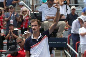 Rogers Cup: Người Nga đại thắng – Medvedev hủy diệt Thiem, Khachanov khuất phục Zverev