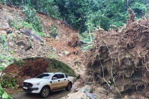 Nhà máy thủy điện bị đất đá bít lối, cầu viện trực thăng ứng cứu