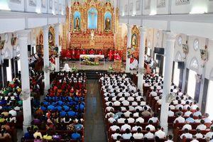 Giáo xứ Lộc Mỹ tổ chức thánh lễ tuần chầu lượt đền tạ Chúa Giêsu