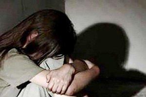 Tạm giữ 2 người đàn ông bị tố xâm hại chị em bé gái ở Hà Nội