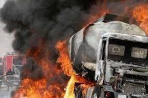 Xe chở xăng phát nổ tại Tanzania, hơn 100 người thương vong vì hôi của