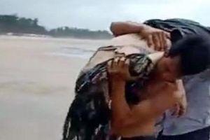Bình Thuận: 4 người chết, 2 người mất tích khi tắm biển có mưa