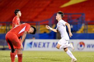 U18 Việt Nam áp sát ngôi đầu bảng