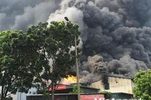 Hà Nội: Cháy lớn tại KCN Sài Đồng gần Aeon Mall Long Biên