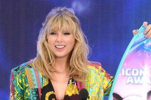 Taylor Swift và dàn sao teen xuất hiện rạng rỡ trên thảm xanh