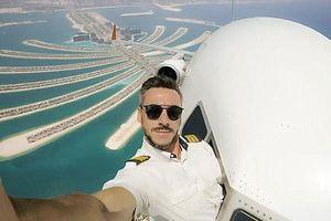 Bí mật sau những bức ảnh selfie khi đang lái máy bay