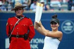 Bianca Andreescu với 16 phút làm thay đổi quần vợt Canada