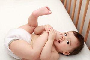Giải mã ngôn ngữ cơ thể của bé yêu để hiểu con hơn