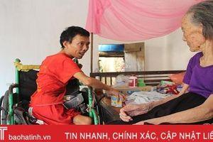 Thơm thảo tấm lòng con trai tật nguyền nuôi mẹ già bệnh tật ở Can Lộc