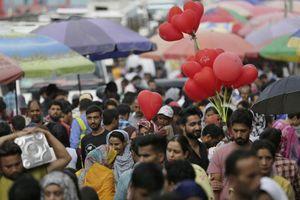 Ấn Độ nới lỏng các lệnh cấm ở Kashmir