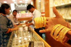 Giá vàng hôm nay 12/8: Giá vàng đuổi sát mốc 42 triệu đồng/lượng