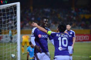 Thắng '5 sao' trước Thanh Hóa, BHL Hà Nội FC khen Văn Quyết hết lời