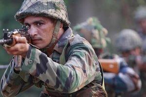 Nóng bỏng Kashmir: Giá nào để Trung Quốc quay lưng Pakistan, 'sánh vai' Ấn Độ?