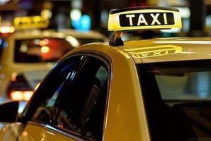 Bộ Giao thông bỏ quy định gắn 'mào' đối với Grab nhưng giữ nguyên hộp đèn với taxi