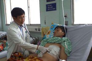 Sốc: Bệnh nhân 19 tuổi bị... tăm đâm xuyên gan, thủng tim