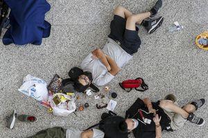 Thêm hàng trăm chuyến bay bị hủy giữa căng thẳng ở Hong Kong