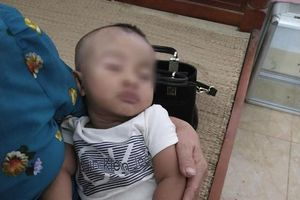 Bé trai 7 tháng tuổi bị bỏ rơi: Vợ chồng hiếm muộn xin nhận nuôi