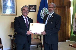 Đại sứ Việt Nam Nguyễn Hoài Dương trình Thư Ủy nhiệm lên Toàn quyền Belize