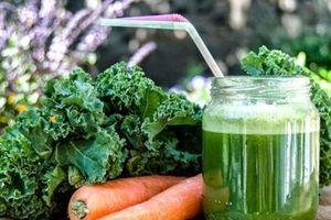 Nước ép cải xoăn, cần tây giúp cải thiện sức khỏe và làn da