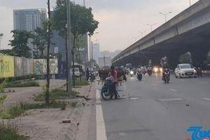 Hà Nội: Đường Nguyễn Xiển thường xuyên bị chiếm dụng vỉa hè, lòng đường