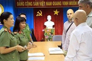 Chuyển giao 2 phạm nhân từ Việt Nam về Bulgaria chấp hành án phạt tù