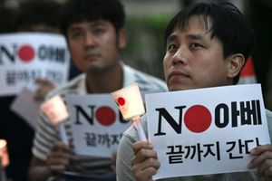 Leo thang căng thẳng, Hàn Quốc loại Nhật Bản ra khỏi 'Danh sách Trắng'