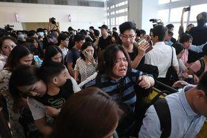 Hong Kong: Hai người bị tấn công vì nghi là mật thám