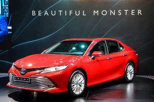 Toyota Camry, Mazda 6 đồng loạt giảm giá 20 triệu đồng