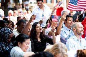 2 quận California kiện chính quyền Trump về quy định hạn chế thẻ xanh