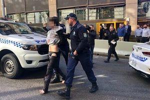 Cảnh sát Australia bắt kẻ đâm dao tại trung tâm Sydney