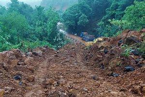 Lâm Đồng: Sạt lở nghiêm trọng, đèo Con Ó tê liệt 6 ngày vẫn chưa thông