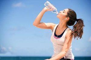 Mắc 'cả tỷ bệnh' nguy hiểm này chỉ vì lười uống nước