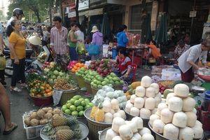 Rau xanh, trái cây tăng giá 'chóng mặt' dịp lễ Vu lan