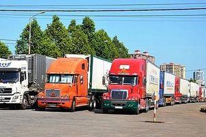 Cửa khẩu quốc tế Lào Cai: Ùn ứ vài trăm container thanh long xuất khẩu