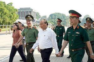 Thủ tướng kiểm tra công tác tu bổ Công trình Lăng Chủ tịch Hồ Chí Minh
