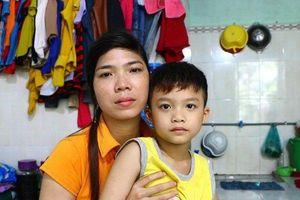 Bình Dương: Mới đi học ngày đầu, bé trai bị bỏ quên ở trường cả một ngày