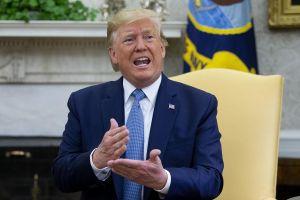 Tổng thống Trump đi sai hai 'nước cờ' chỉ trong vòng một tuần!