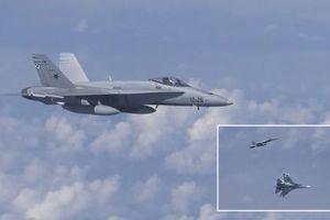 Tiêm kích NATO tiếp cận máy bay chở Bộ trưởng Quốc phòng Nga
