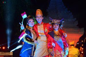 Thanh niên Việt Nam dự Học bổng Nghệ thuật và Văn hóa Indonesia