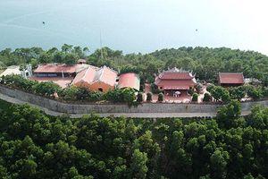 Ảnh, video: Biệt thự, chùa chiền hoành tráng xây dựng trái phép trên vịnh Bái Tử Long